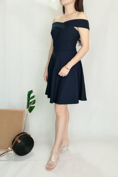 Plain Cross Neckline Off-Shoulder Midi Dress