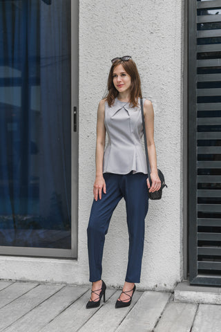 Ava Sleeveless Fitted Top in Grey