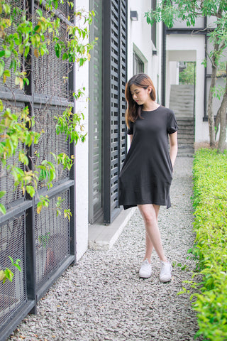 Cora Shift Dress in Black - Dresses - Twenty3