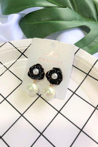 Black Rose  Pearl Earrings