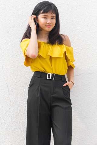 Addie Off-shoulder Top in Yellow