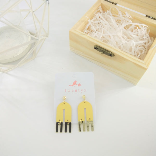 Short U Earrings