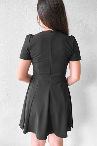 Advent V Dress in Black