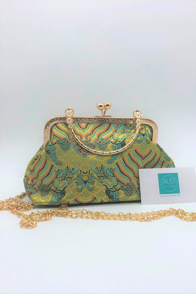[HANDCRAFTED] Oriental Palace Kisslock Clutch