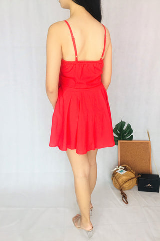 Sleeveless Plain Romper in Red