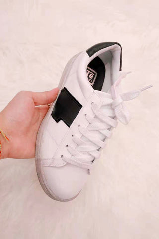 Contrast Base Lace Up Sneakers in Black