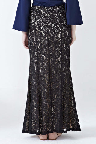 Eesha Lace Overlay Skirt in Black