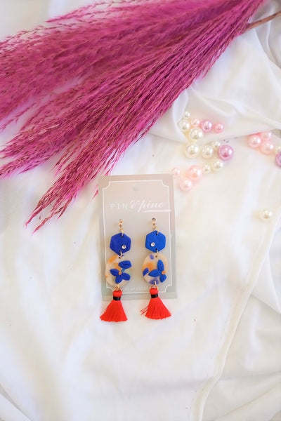 [HANDCRAFTED] Clay Red Tassel Earrings in Blue
