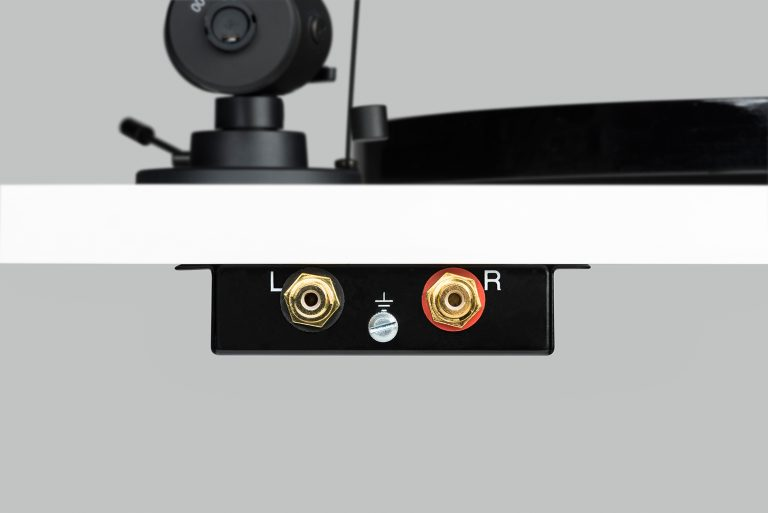 Pro-Ject Essential III SB (Cartridge Included) - Yorkshire AV LTD