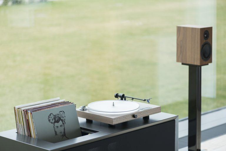 Pro-Ject Juke Box S2 Stereo Set Audiophile turntable system with speakers (Cartridge Included) - Yorkshire AV LTD