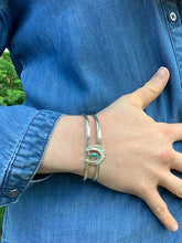 Load image into Gallery viewer, Bauxo Horseshoe Cuff