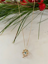 Load image into Gallery viewer, Four Leaf Clover Emerald Pulse Pendant