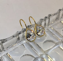 Load image into Gallery viewer, Silver and Crystal Drop Earrings
