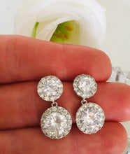 Load image into Gallery viewer, Crystal Earrings