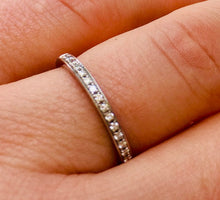 Load image into Gallery viewer, Ladies wedding band - the Harper band
