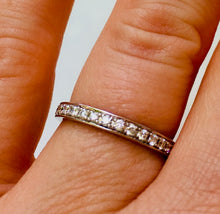 Load image into Gallery viewer, Ladies wedding band - the Thea band