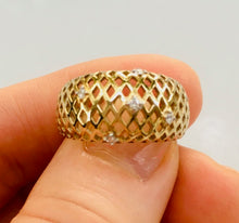 Load image into Gallery viewer, Yellow Gold and Diamond Mesh Ring