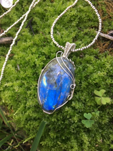 Load image into Gallery viewer, Tranquil Pendants - Labradorite Pendant
