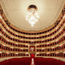 Load image into Gallery viewer, Inside of Teatro La Scala Mailand Aussen in Milano