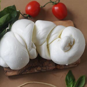 Fresh Treccia di Mozzarella Cheese 250g
