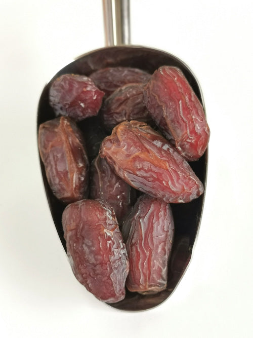 Organic Medjool Dates (with pits)