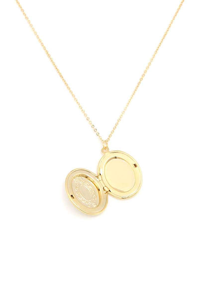 Oval Shape Locket Metal Necklace