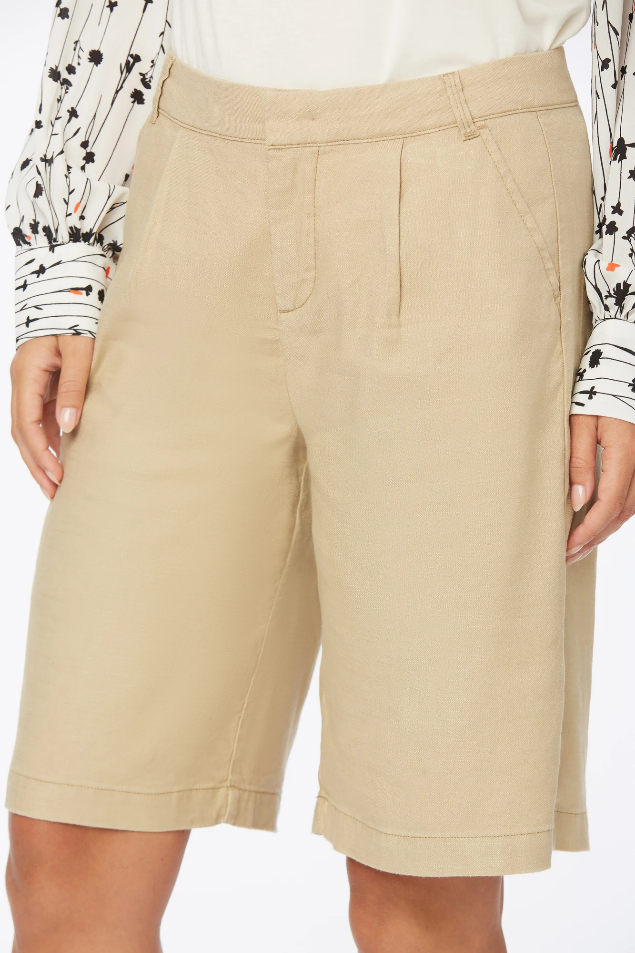 Relaxed Bermuda Shorts  In Stretch Linen