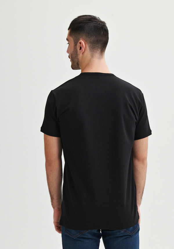 back blank black t-shirt