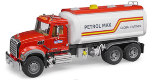 Bruder - 1:16 MACK Granite Tank truck with water pump - 02827