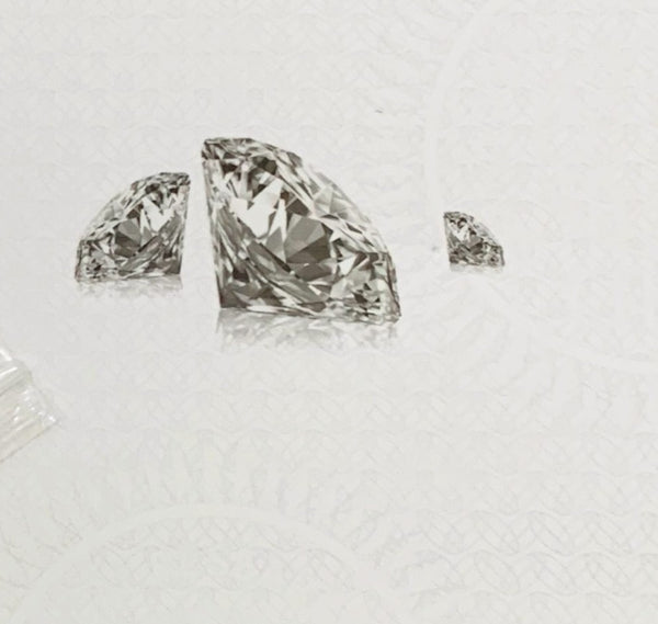 White heart shaped round cut Diamond like Moissanite gemstone (1ct Carat 6.5mm). Stone only