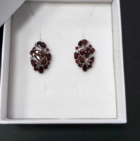 Natural Mozambique Garnet clasp earring with 925 sterling silver