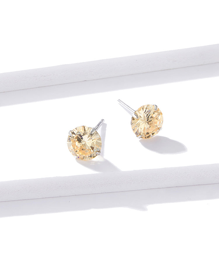 Cubic Zirconia stud earrings with Silver.
