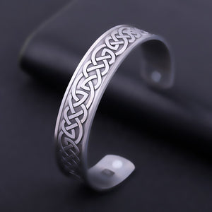 LIKGREAT  Celtic Knot Engraved Nordic Viking Bracelet for Men or Women