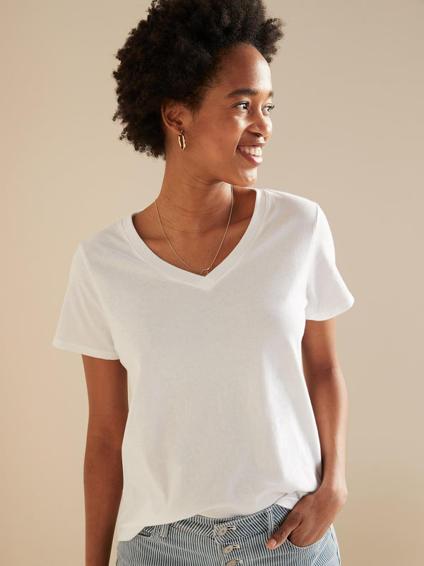ON EveryWear V-Neck Tee for Women - Calla Lily 451