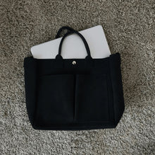 Load image into Gallery viewer, Mat Smooth Leather Handbag