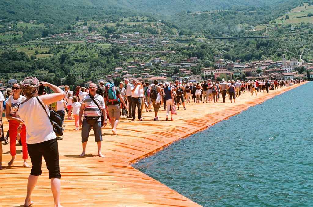 "Andrew Gori + Ambre Kelly, ""Couple-Floating Piers, Italy (Selfie)"""
