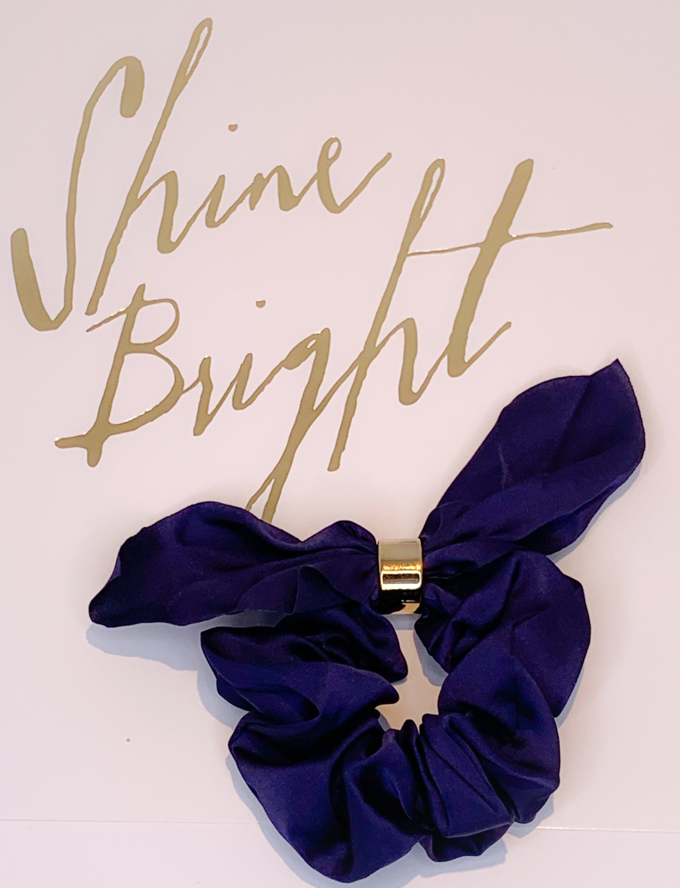 Scrunchie with gold clip