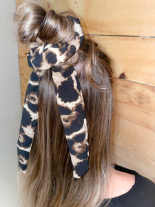 Girls night out duo scrunchie