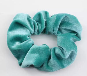 Big Velvet scrunchie