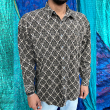 Load image into Gallery viewer, Long Sleeved Corduroy Pattern Shirt