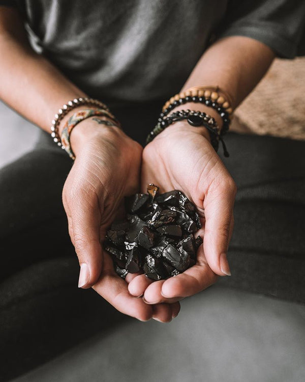 raw elite shungite stones