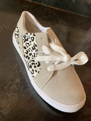 Lace up Leopard Print Sneakers