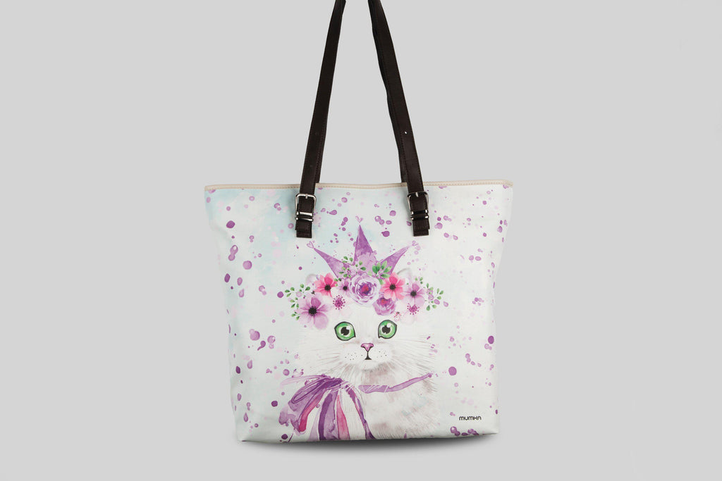 femme-shopper-large-chat-du-printemps-violet