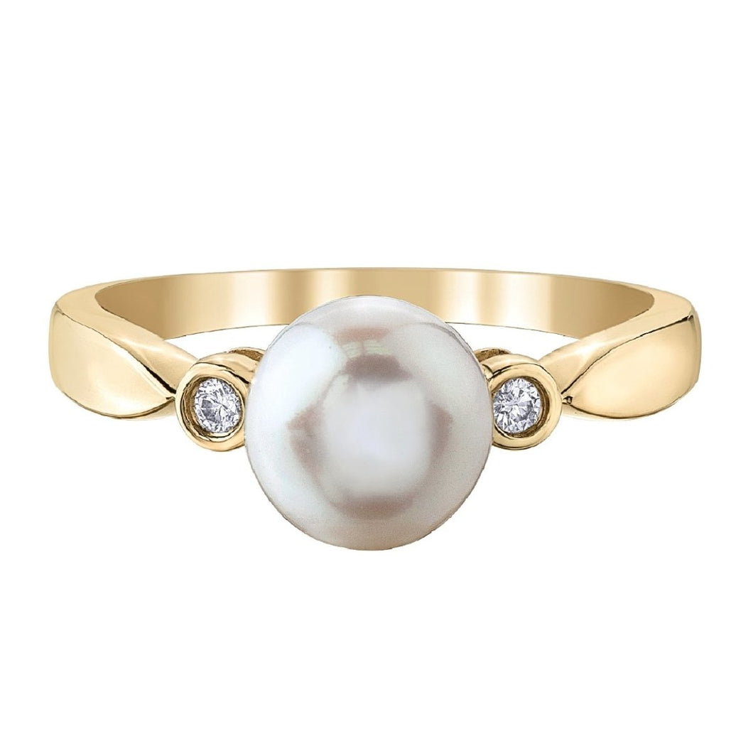 Lovely Pearl Diamond Ring in Yellow Gold - Fifth Avenue Jewellers