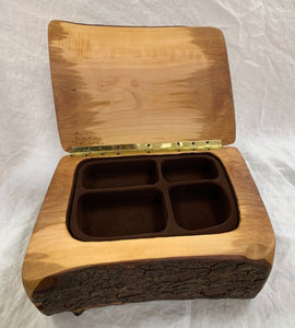 Robert Andrews Live Edge Arbutus Jewellery Box - Fifth Avenue Jewellers