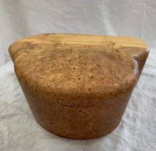 Load image into Gallery viewer, Robert Andrews Maple Burl Jewellery Box - Fifth Avenue Jewellers