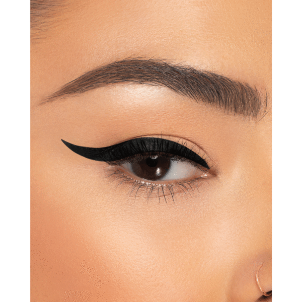 STAY PUT MATTE EYELINER - BLACK MATTE