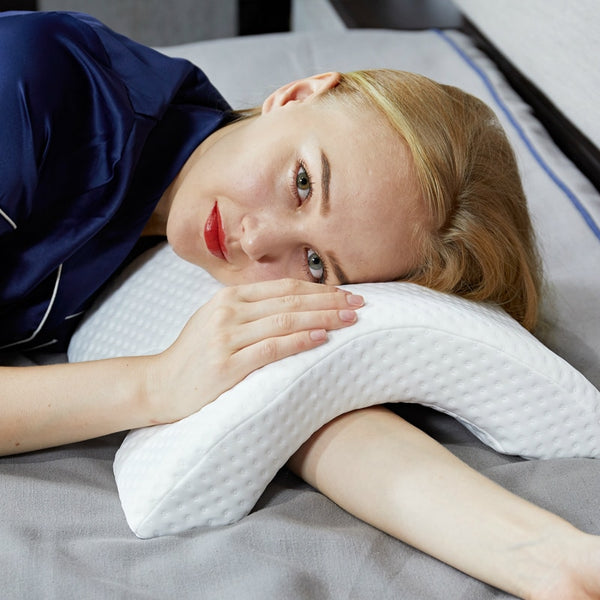 Curved Sleeping Pillow - Lillie