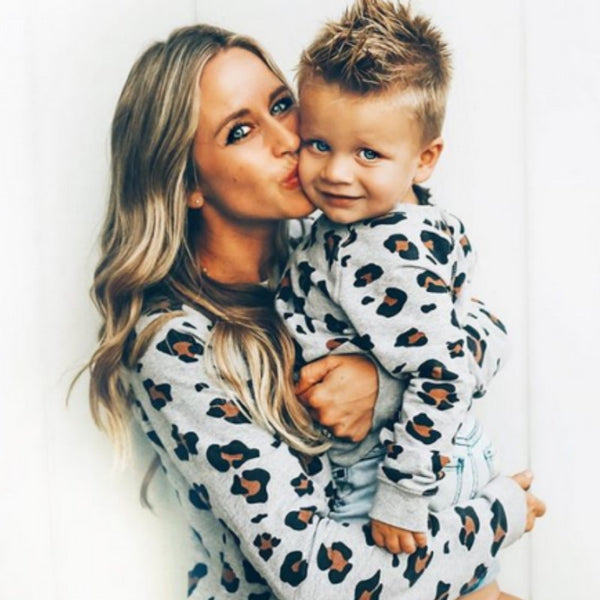 Family Matching Outfits / Mother Daughter Son / Kid Long Sleeve Leopard T-Shirt - Lillie