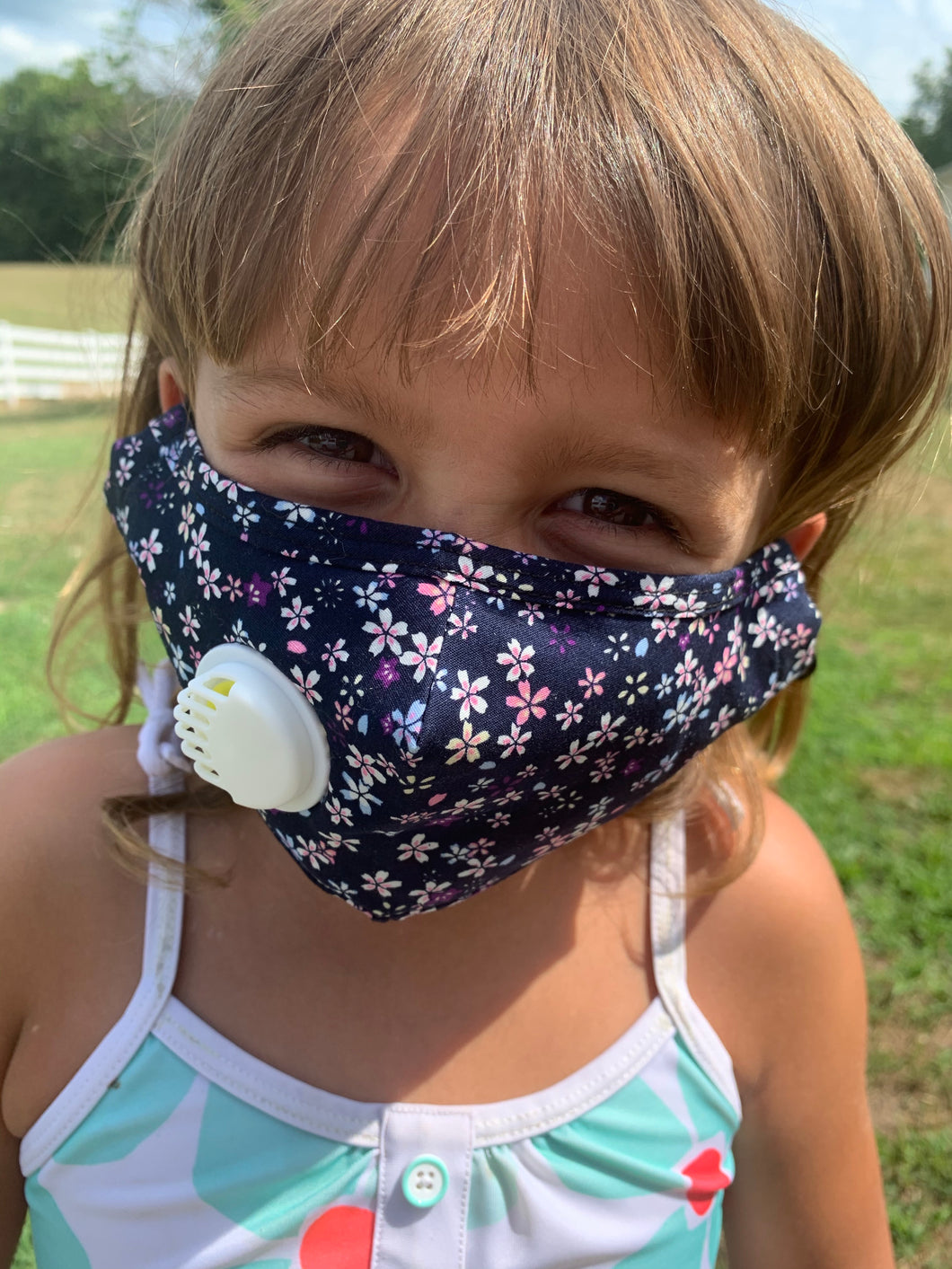 CHILD Navy Flower Bouquet: Personal Face Mask with Air Valve